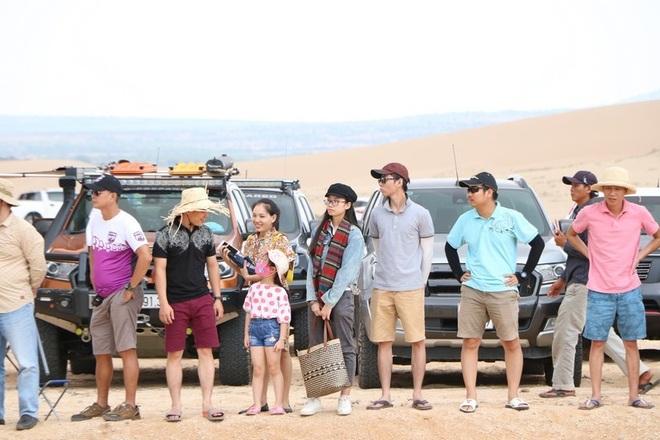 """Dịp lễ, các """"tay chơi"""" đổ xô về Ninh Thuận đua ô tô trên cát - 4"""