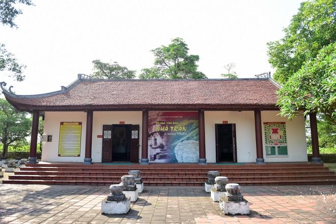 Chiêm ngưỡng ngôi đền 600 năm tuổi thờ 8 vị vua triều Trần - 16