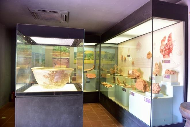 Chiêm ngưỡng ngôi đền 600 năm tuổi thờ 8 vị vua triều Trần - 19