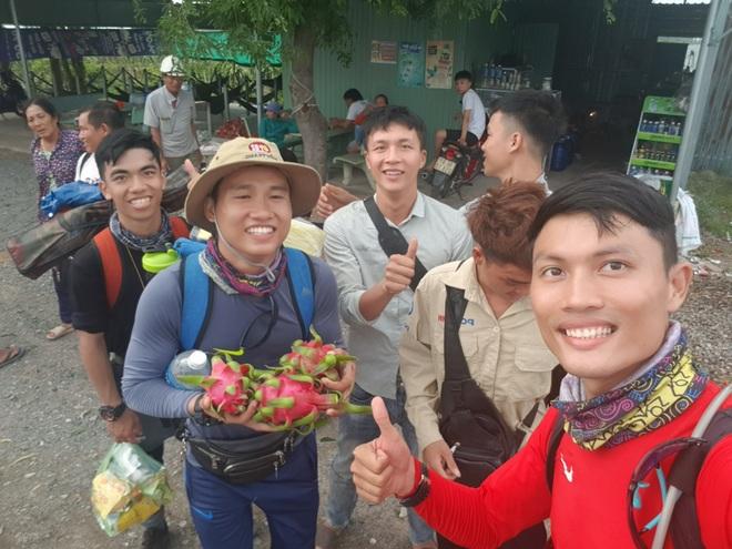 Hành trình xuyên Việt trong 48 ngày của thầy giáo Sài Gòn với 500 nghìn đồng - 11