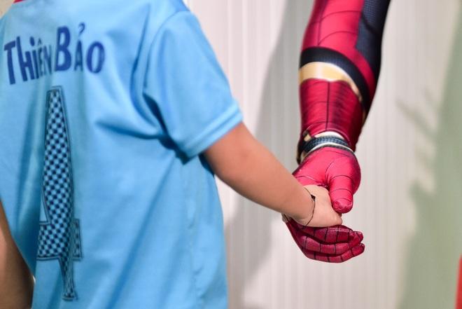 Chàng trai hoá thân thành người nhện đi truyền lửa cho các bệnh nhi ung thư - 4