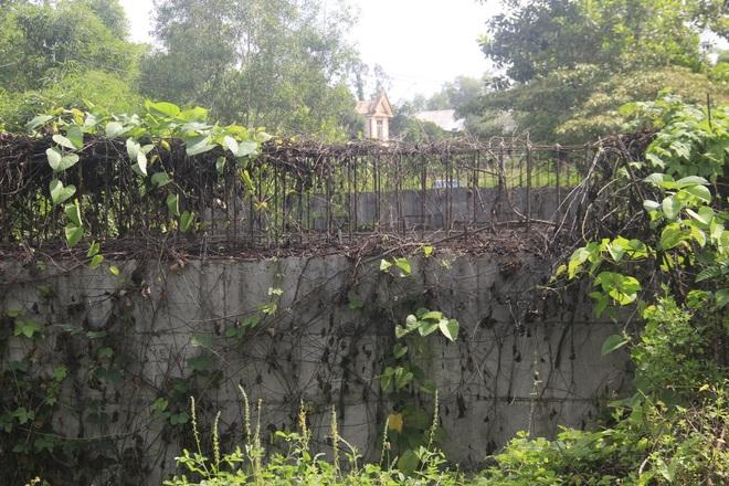 """Nhiều cây cầu tiền tỷ xây dở dang """"ngủ quên"""" giữa nắng mưa - 10"""
