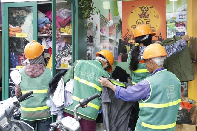 Hà Nội: Xuất hiện nhiều tủ quần áo 0 đồng dành cho người nghèo - 5