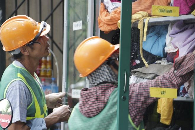 Hà Nội: Xuất hiện nhiều tủ quần áo 0 đồng dành cho người nghèo - 7