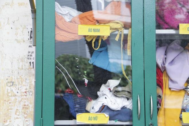 Hà Nội: Xuất hiện nhiều tủ quần áo 0 đồng dành cho người nghèo - 3