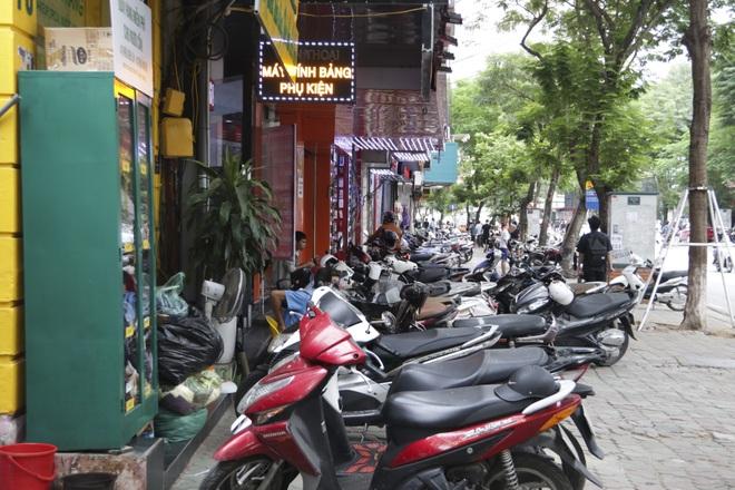 Hà Nội: Xuất hiện nhiều tủ quần áo 0 đồng dành cho người nghèo - 10
