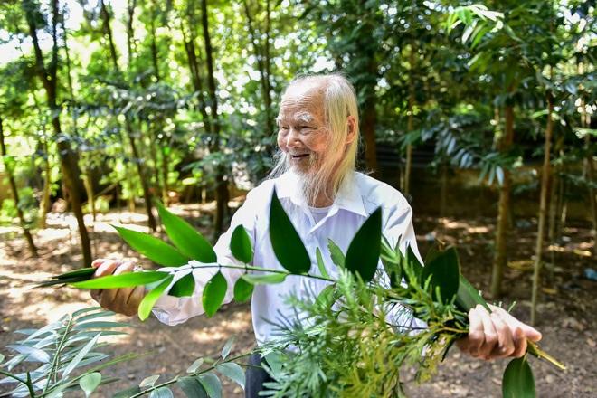 """Chuyện về """"ông Tiên"""" 97 tuổi có một không hai dưới chân núi Tản - 15"""