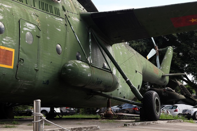 Cận cảnh trực thăng khổng lồ huyền thoại của Không quân Việt Nam - 10