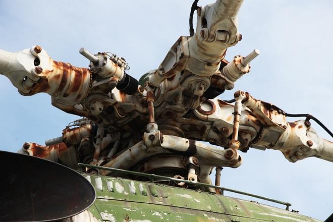 Cận cảnh trực thăng khổng lồ huyền thoại của Không quân Việt Nam - 9