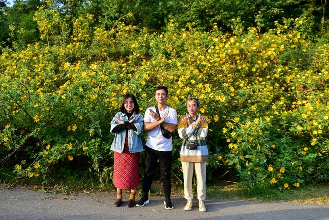 Giới trẻ đua nhau lên núi Ba Vì săn hoa dã quỳ - 9