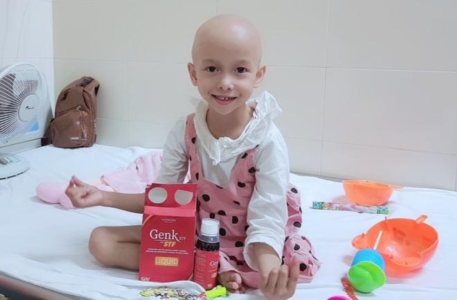 Bà ngoại hơn 70 tuổi một mình chăm cháu gái bị ung thư - 3