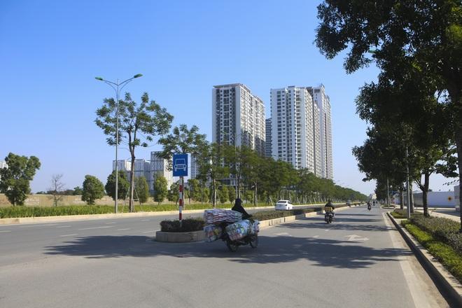 Ngắm tuyến đường 10 làn xe chưa được đặt tên tại Hà Nội - 7