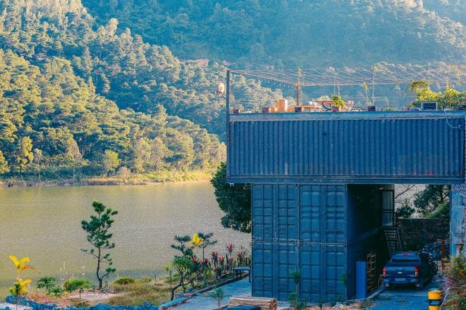 Bỏ thành phố lên núi, đôi vợ chồng Hà Nội dựng nhà container giá 3 tỷ đồng - 1