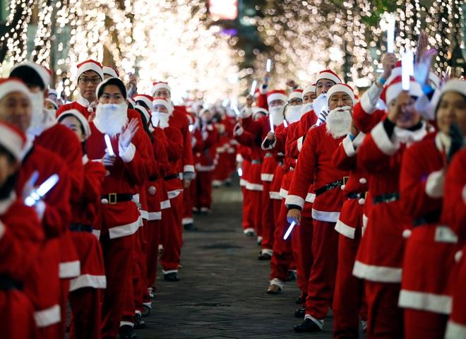 Thế giới tưng bừng chờ đón Giáng sinh - 1