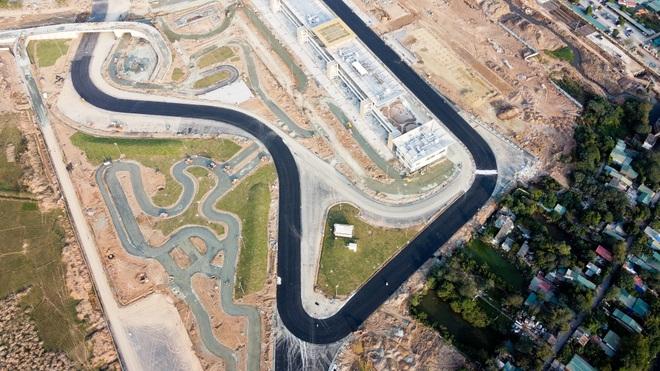 Hà Nội: Được trải thảm nhựa, đường đua F1 dần hiện hình - 12