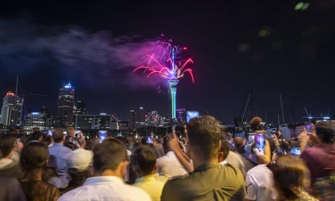 Pháo hoa tưng bừng khắp thế giới đón năm mới 2020 - 14