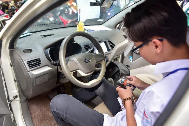 Thiết bị cảnh báo trẻ em bị bỏ quên trên ô tô của hai học sinh Quảng Ninh - 12