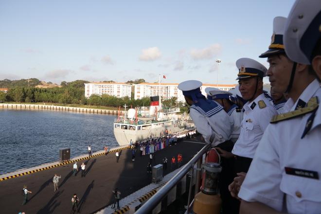 Xúc động lễ tiễn quân ra quần đảo Trường Sa làm nhiệm vụ - 23