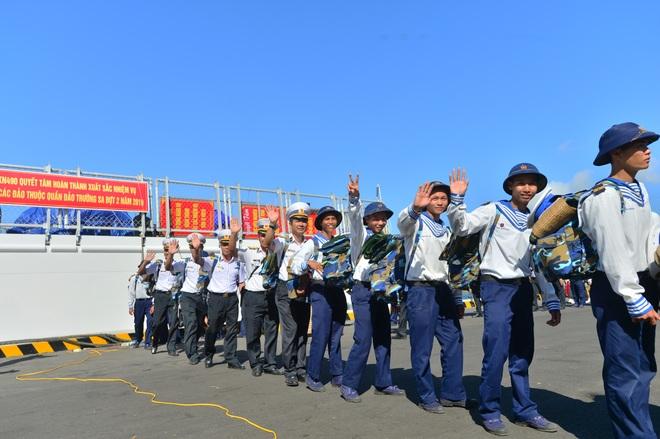 Xúc động lễ tiễn quân ra quần đảo Trường Sa làm nhiệm vụ - 4