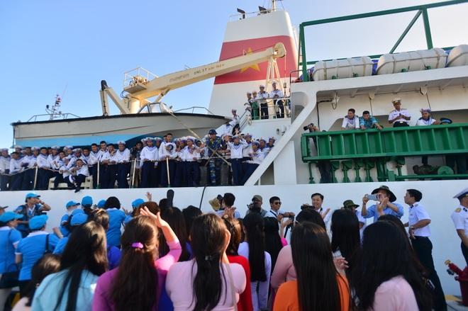 Xúc động lễ tiễn quân ra quần đảo Trường Sa làm nhiệm vụ - 18