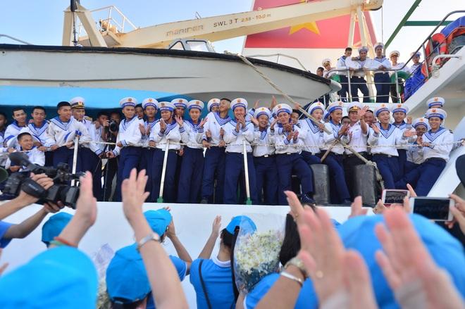 Xúc động lễ tiễn quân ra quần đảo Trường Sa làm nhiệm vụ - 19