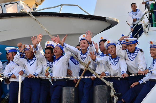 Xúc động lễ tiễn quân ra quần đảo Trường Sa làm nhiệm vụ - 17
