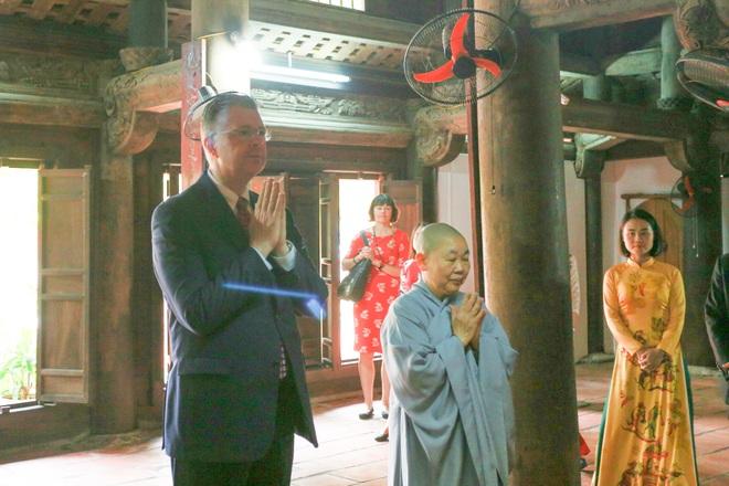 Đại sứ Mỹ thả cá chép, chúc mừng năm mới bằng tiếng Việt - 14