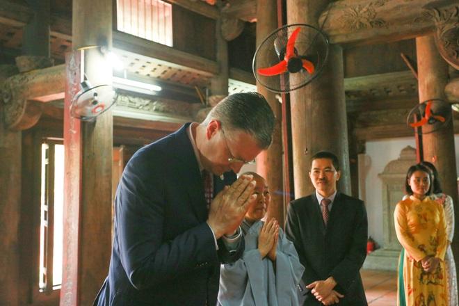 Đại sứ Mỹ thả cá chép, chúc mừng năm mới bằng tiếng Việt - 13