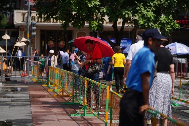Mãn nhãn ngắm đường hoa Nguyễn Huệ trước giờ G - 2