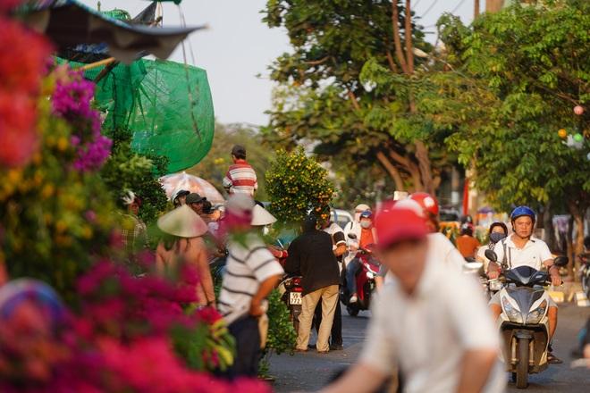Một lần đi chợ hoa trên bến dưới thuyền độc, lạ nhất Sài Gòn - 29