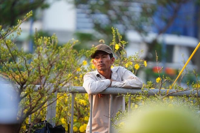 Một lần đi chợ hoa trên bến dưới thuyền độc, lạ nhất Sài Gòn - 33