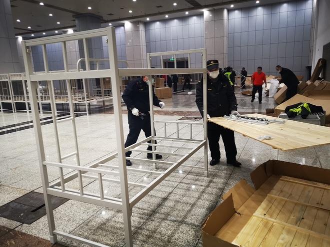 Trung Quốc biến nhà thi đấu, trung tâm hội nghị thành bệnh viện dã chiến - 9