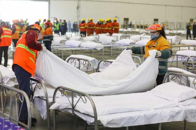 Trung Quốc biến nhà thi đấu, trung tâm hội nghị thành bệnh viện dã chiến - 12