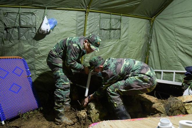 Những chiến sĩ đắp đá làm giường, ròng rã nơi biên giới chống dịch corona - 15