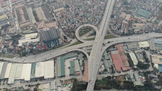 Toàn cảnh giao thông cầu Vĩnh Tuy trước khi xây cầu Vĩnh Tuy 2 - 2