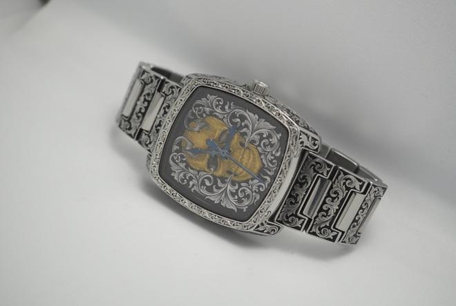 Độc đáo nghề chạm khắc đồng hồ ở Hà Nội - 13