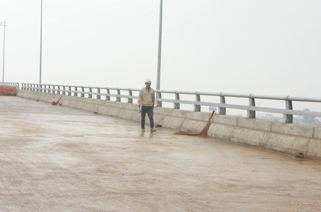 Cận cảnh cây cầu nghìn tỷ vượt sông Ninh Cơ chuẩn bị thông xe - 17
