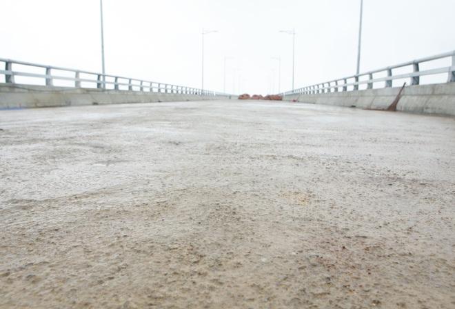 Cận cảnh cây cầu nghìn tỷ vượt sông Ninh Cơ chuẩn bị thông xe - 15