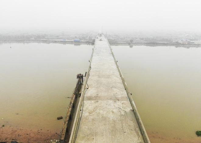 Cận cảnh cây cầu nghìn tỷ vượt sông Ninh Cơ chuẩn bị thông xe - 2