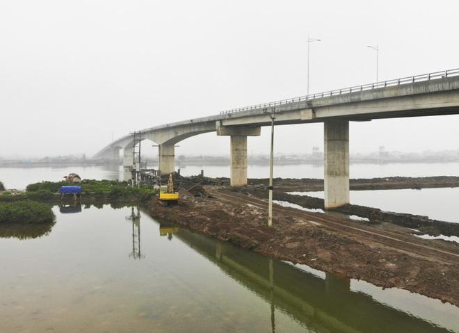 Cận cảnh cây cầu nghìn tỷ vượt sông Ninh Cơ chuẩn bị thông xe - 4