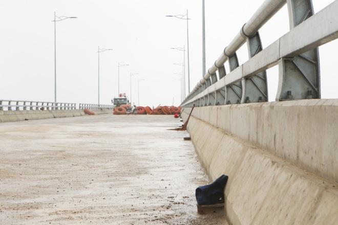Cận cảnh cây cầu nghìn tỷ vượt sông Ninh Cơ chuẩn bị thông xe - 7