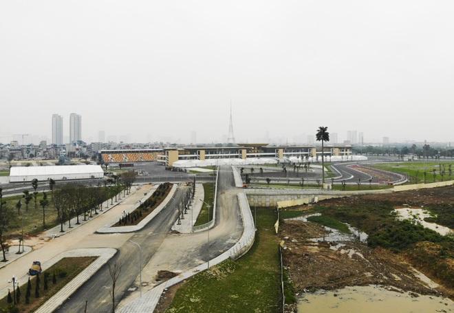 Hà Nội: Ngẩn ngơ nhìn đường đua F1 hoàn thành nhưng bị hoãn - 8