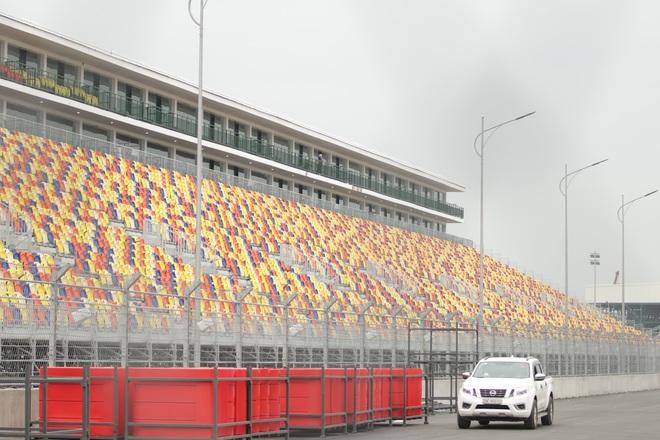 Hà Nội: Ngẩn ngơ nhìn đường đua F1 hoàn thành nhưng bị hoãn - 16