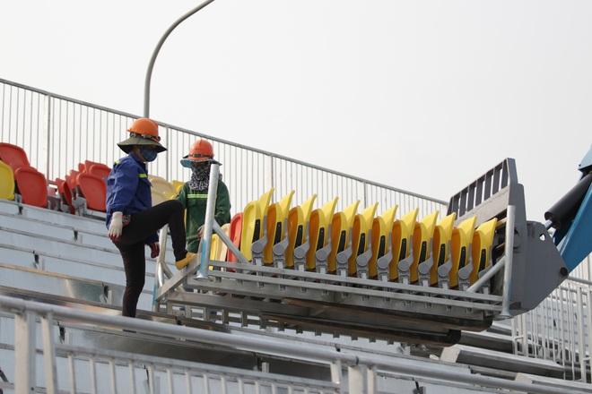 Hà Nội: Tháo dỡ khán đài đường đua F1 vì tạm hoãn đua xe - 9