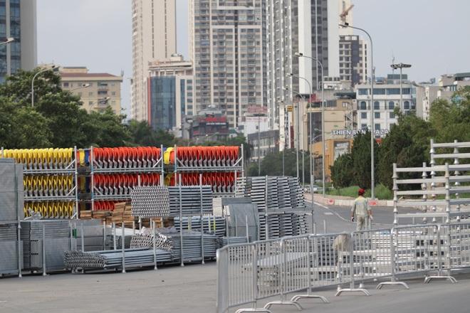 Hà Nội: Tháo dỡ khán đài đường đua F1 vì tạm hoãn đua xe - 14