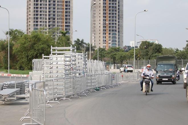 Hà Nội: Tháo dỡ khán đài đường đua F1 vì tạm hoãn đua xe - 16