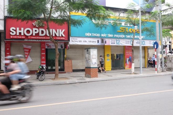 Hà Nội: Cửa hàng điện thoại ngừng kinh doanh, khó khăn nối tiếp khó khăn - 3