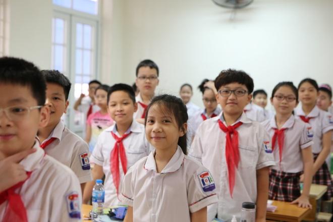 Học sinh mầm non, tiểu học nô nức tới trường sau 3 tháng nghỉ phòng dịch - 13