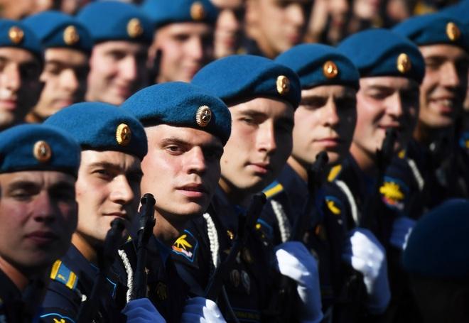 Mãn nhãn dàn khí tài khủng của Nga trong lễ duyệt binh - 3