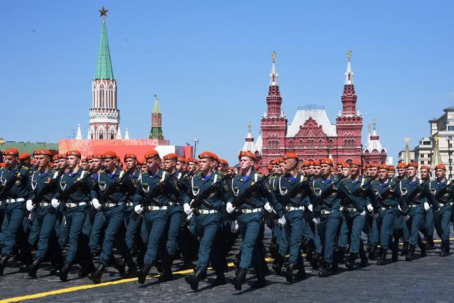 Mãn nhãn dàn khí tài khủng của Nga trong lễ duyệt binh - 4